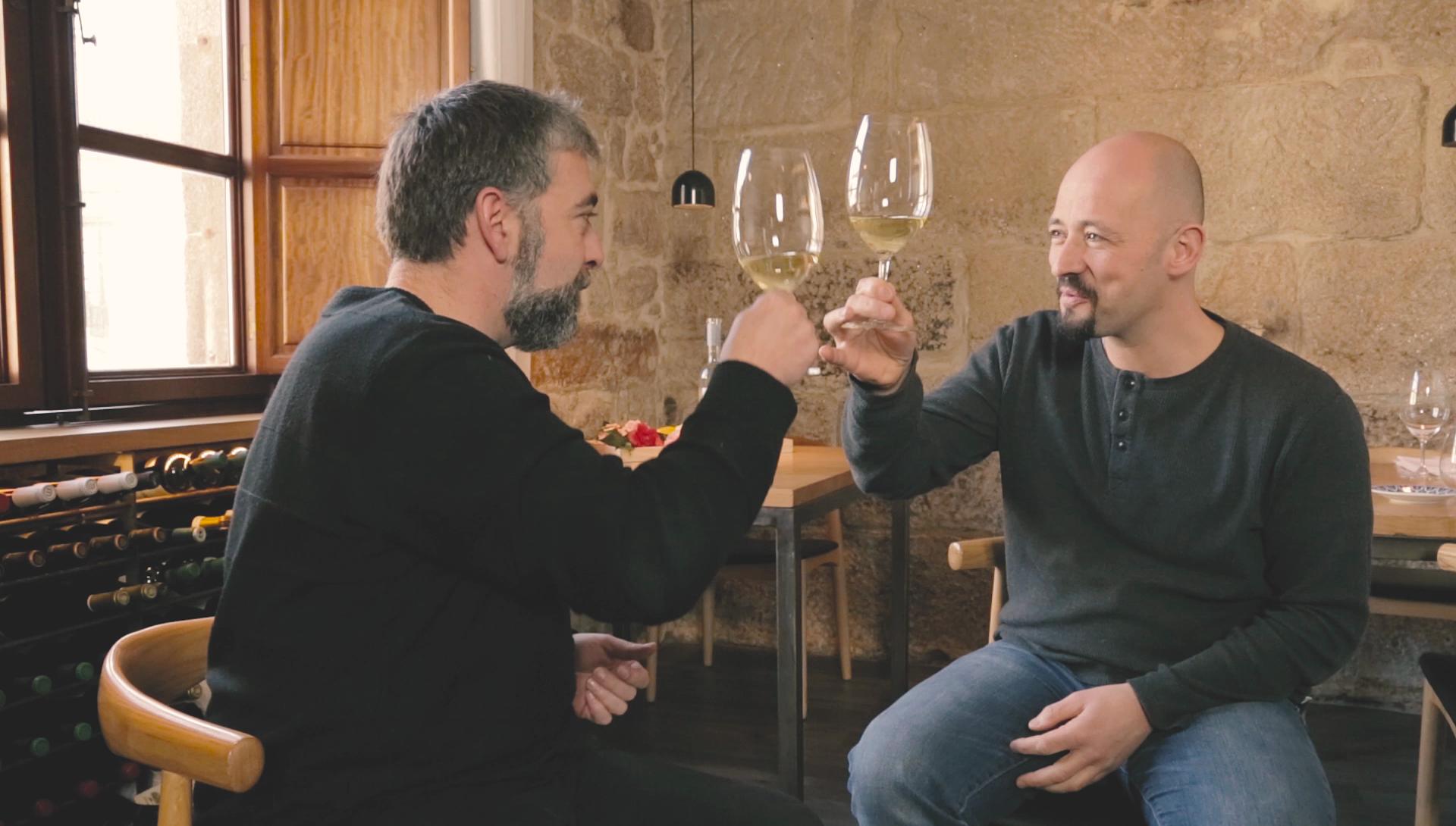 Iñaki Bretal en Motivos Para Brindar con Jose Manuel García