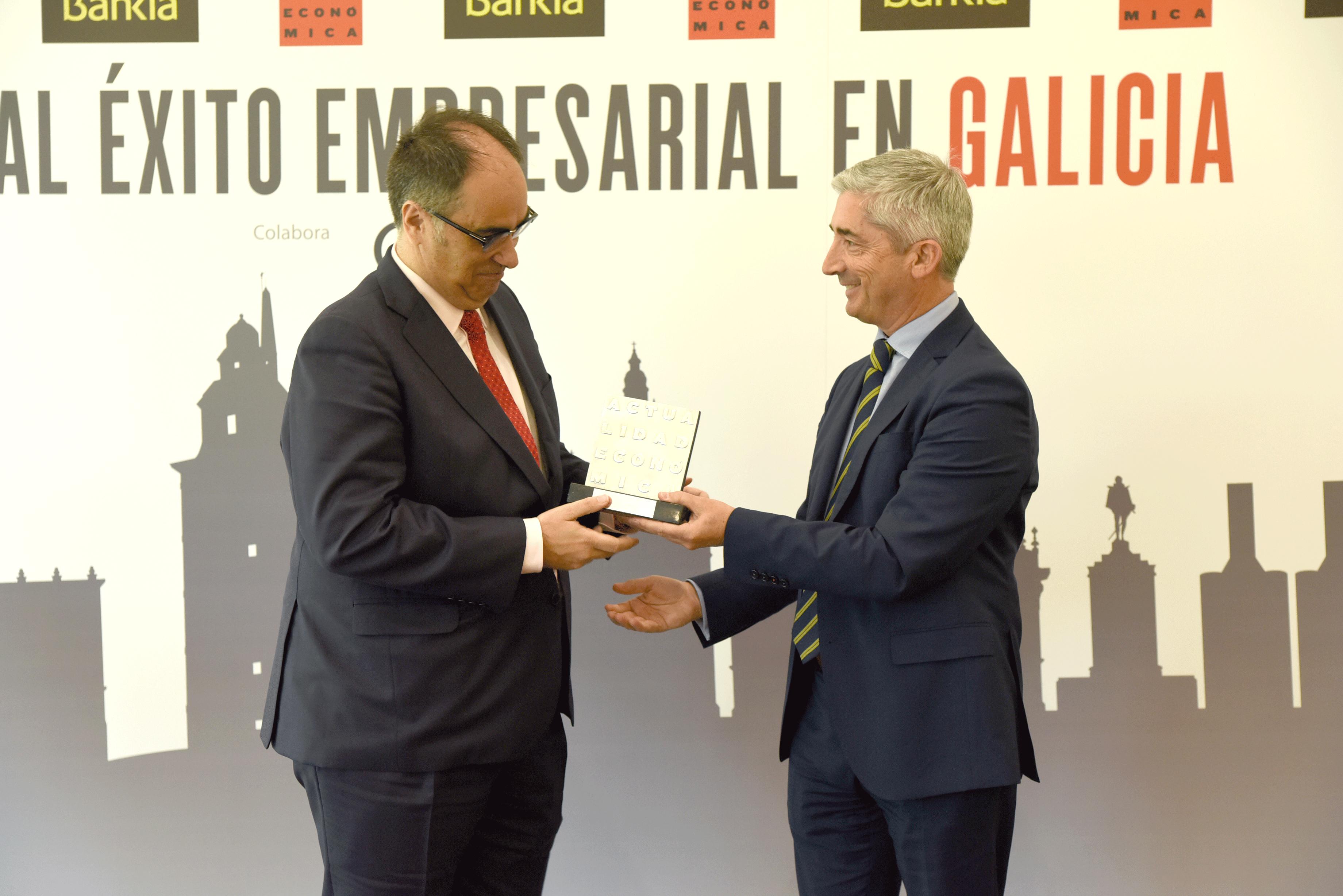 Bodegas Arnoya recibe un premio al éxito empresarial de la revista Actualidad Económica